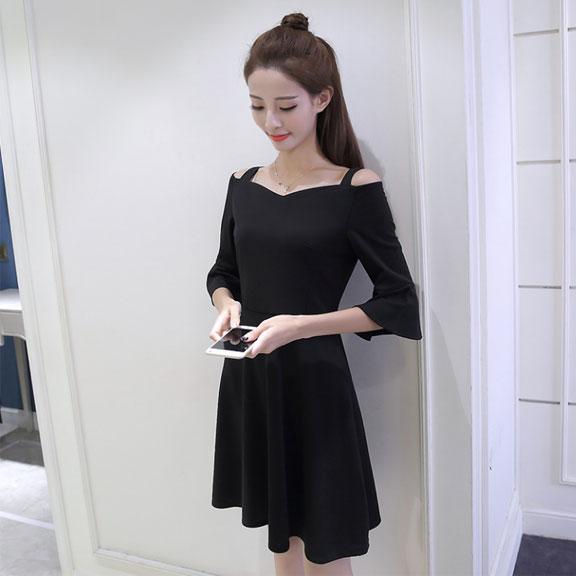 319 2018夏装新款韩版时尚气质五分喇叭袖A字裙小礼服连衣裙小黑
